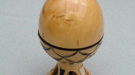 Boxwood egg with cloissone decoration